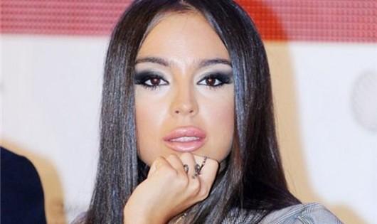 Leyla Əliyevanın sənət bloknotu satışda - Video