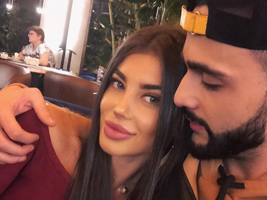 Bu da məşhur blogger Huseynin model sevgilisi (FOTOLAR)